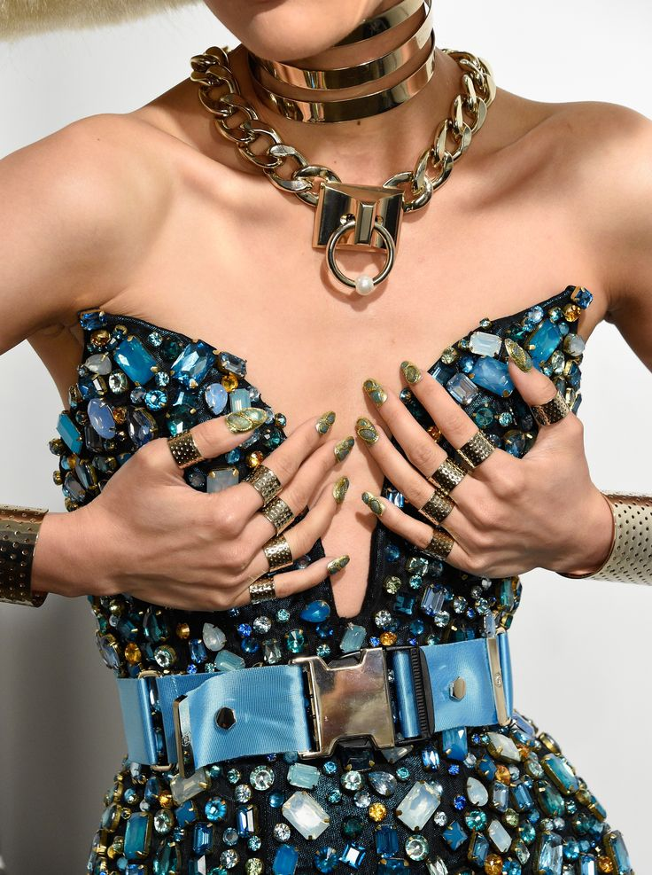 Nail It Like An Egyptian The Blonds Ss16 Pop Style Tv