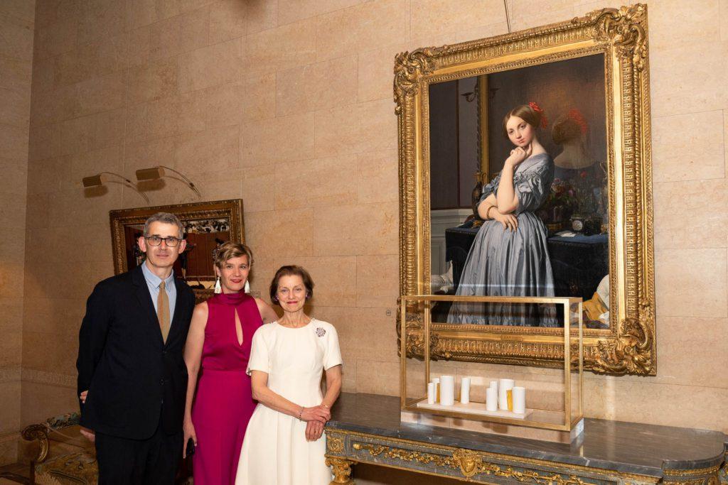 Edmund de Waal, Curator of Decorative Arts Charlotte Vignon and Board of Trustees Chairman Betty Eveillard