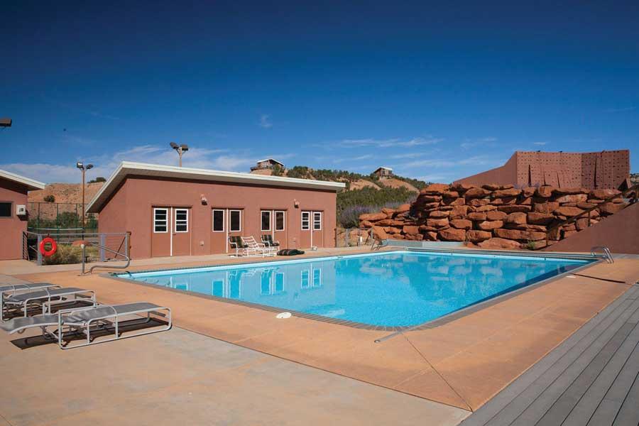 Pool Red Reflet Ranch